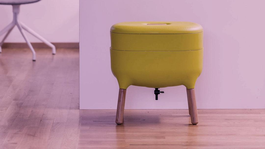 Empresa tcheca cria composteira doméstica com belo design