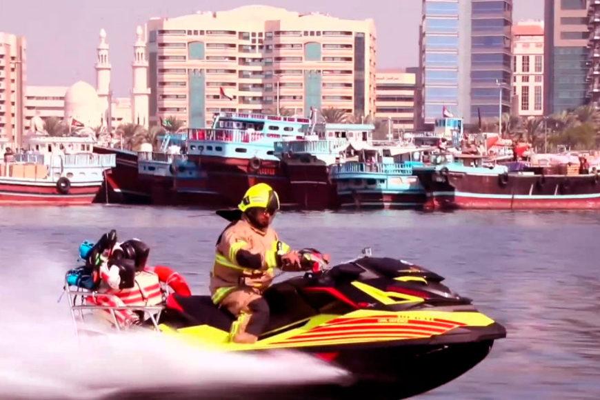 bombeiro-dubai-dolphin-jet-pack-jetpack