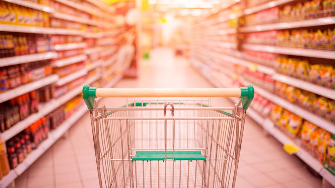 Mãe desenvolve carrinho de supermercado para pessoas com necessidades especiais