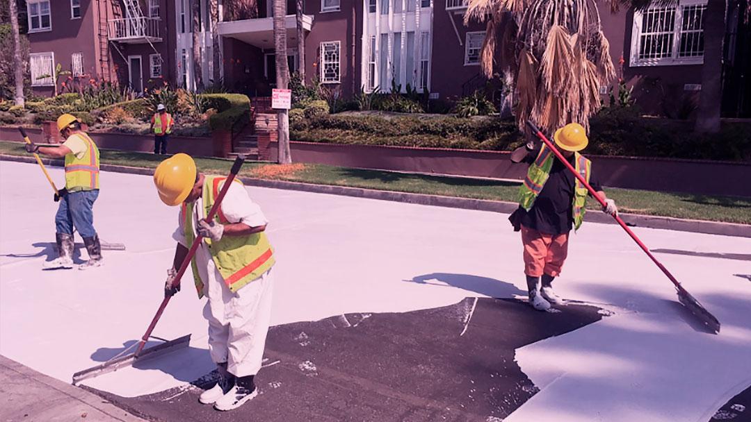 Por que Los Angeles pintou seu asfalto de branco no verão
