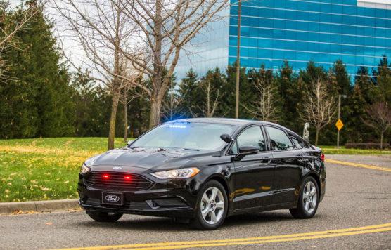 ford-sedan-02-hibrido-policia-inovasocial