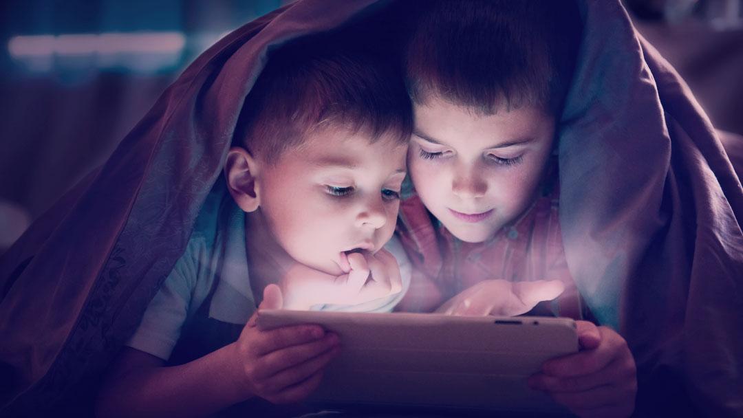 As crianças no YouTube: Publicidade infantil, supervisão dos pais e banheiras de Nutella