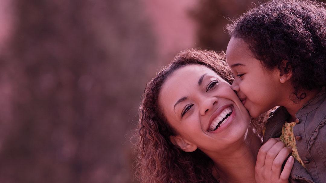 Contrate Uma Mãe: Existe vida profissional pós maternidade?