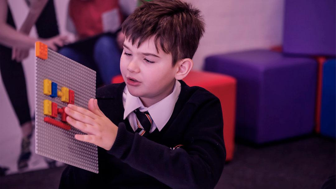 Braille Bricks: LEGO está desenvolvendo blocos que vão ensinar Braille