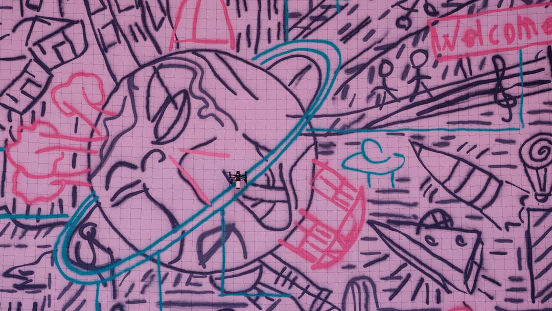 Um enxame de drones pintou o primeiro graffiti colaborativo do mundo