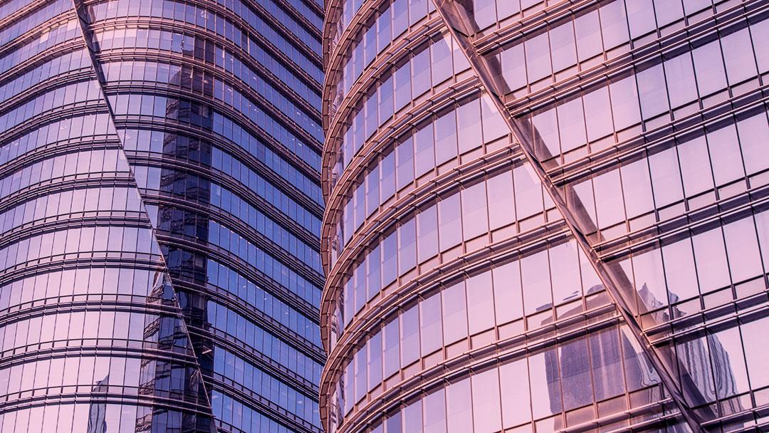 Por que engenheiros e arquitetos ao redor do mundo são contra os arranha-céus de vidro?
