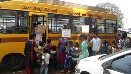 door-step-school-on-wheels-cidades-inclusivas-inovacao-social-inovasocial-01