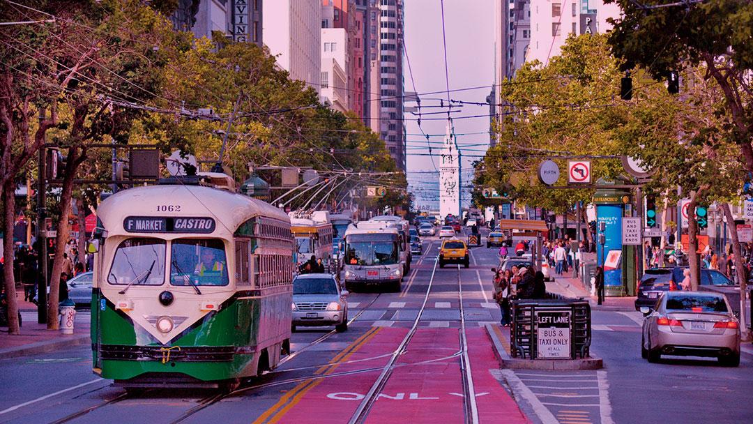 São Francisco está reprojetando sua rua principal para que ela tenha menos carros e mais bicicletas