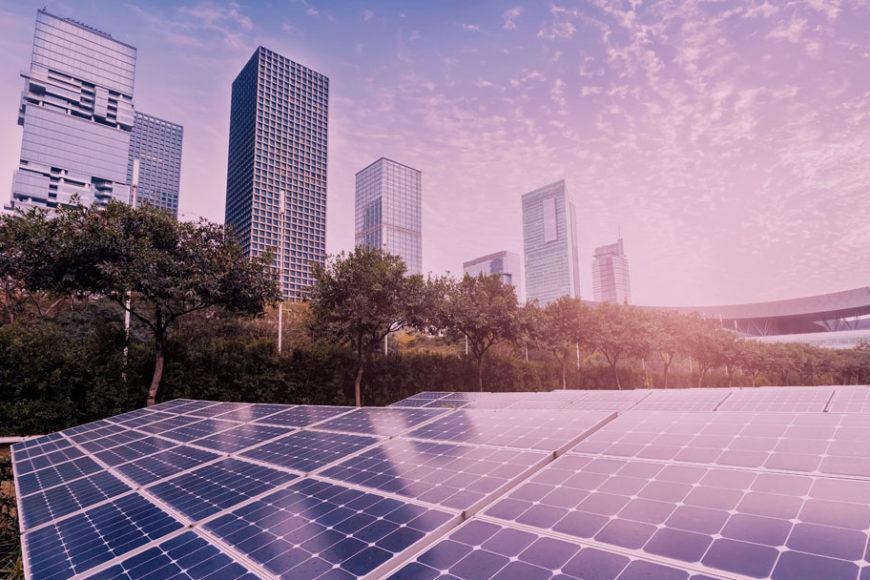 Energia Solar e Microrredes: Tendência mundial, mas alvo de ataques no Brasil