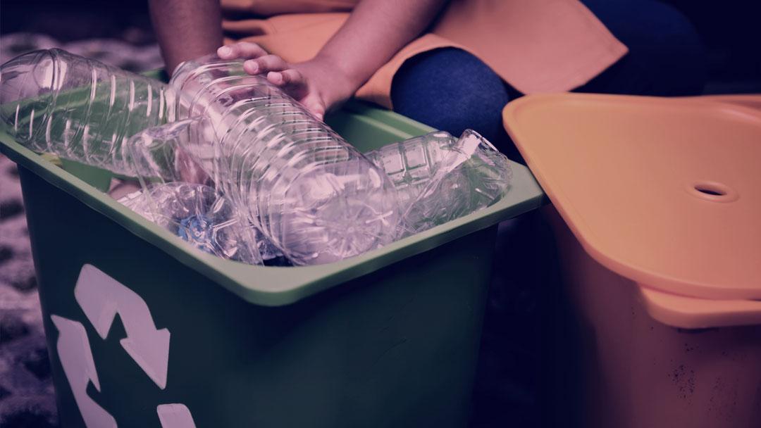 Do espaço até o Brasil: Impacto social na reciclagem de resíduos plásticos