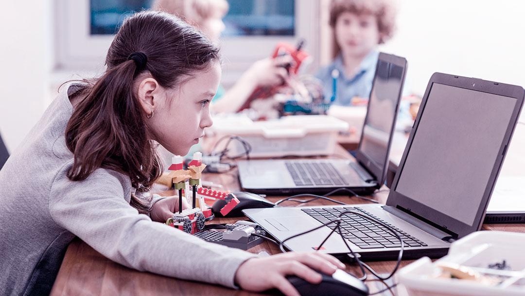STEAM: Proporcionando o desenvolvimento de competências do Século XXI em sala de aula