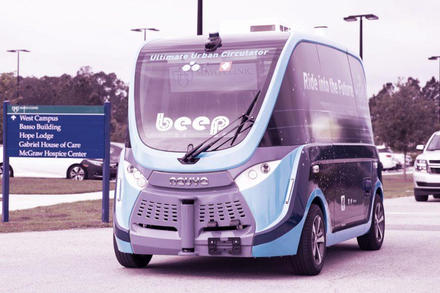 Veículos autônomos transportam suprimentos e testes de Covid-19