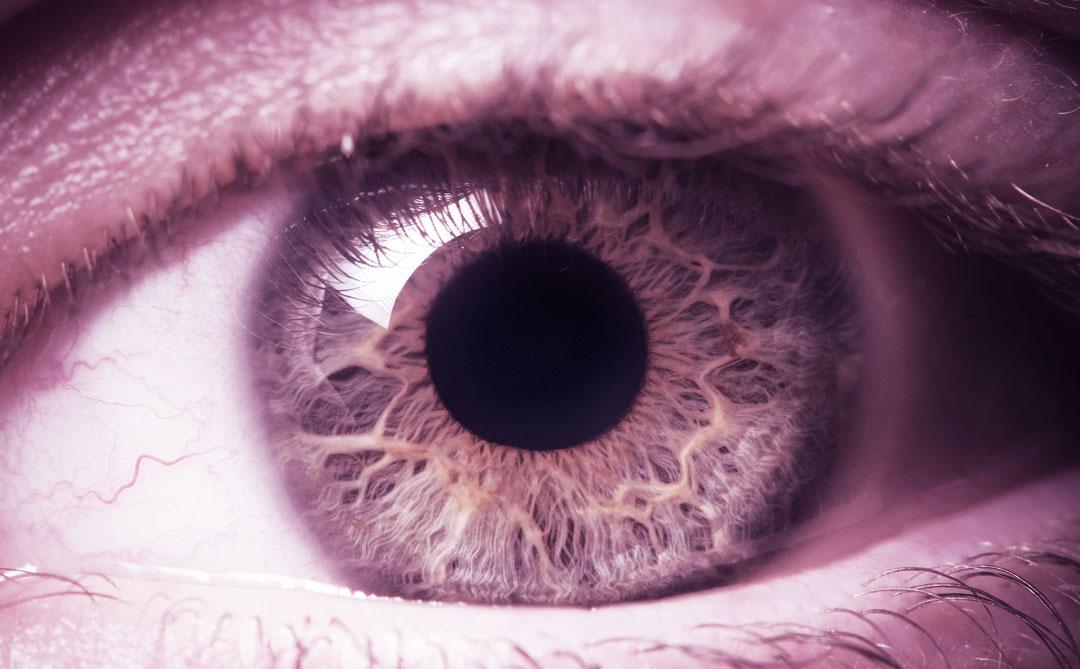 Cientistas criam olho biônico que pode ser melhor do que o humano