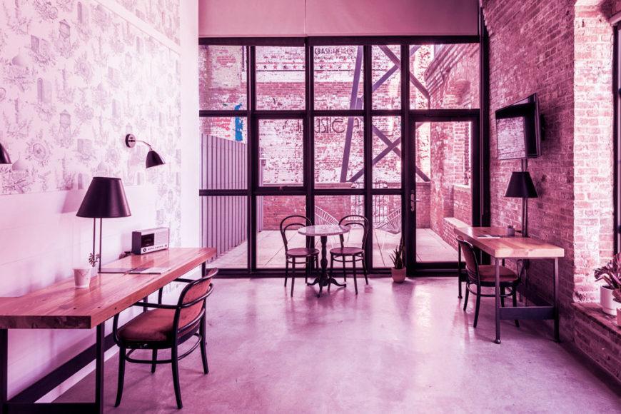 Em Nova York, o Wythe Hotel transformou quartos em escritórios