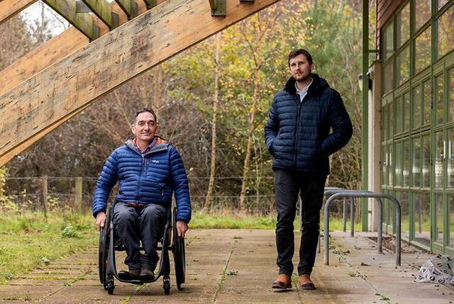Phoenix i: Uma cadeira de rodas inteligente criada para reduzir acidentes
