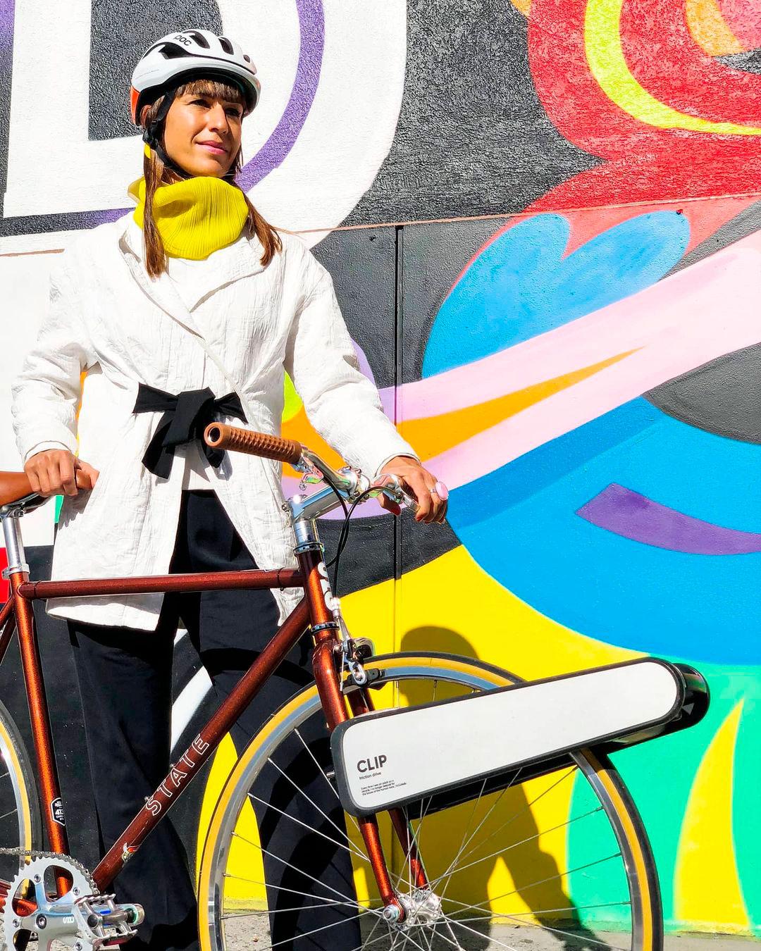 Clip: um dispositivo que transforma uma bicicleta comum em elétrica