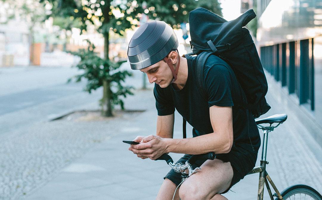 """Conheça """"ESUB tracks"""", o capacete inteligente criado para ciclistas"""
