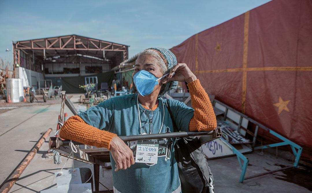 Cataki remunera catadores por reciclagem de embalagens longa vida